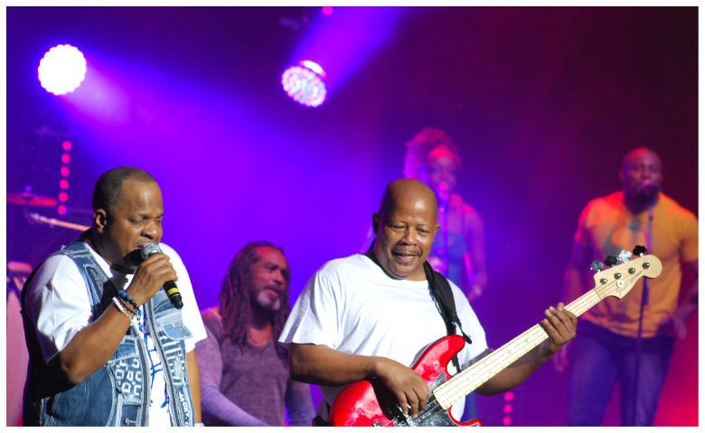 Concert des 40 ans à Abidjan:Le groupe Kassav' en communion avec ...