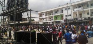 le mercredi 12 août 2020 sur le site de l'accident à Abidjan-Cocody-Angré