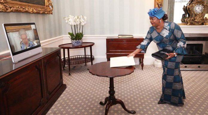 60 ans après l'établissement des relations diplomatiques entre la Côte d'Ivoire et le Royaume Unis, les deux parties conviennent qu'il y a nécessité de nécessité