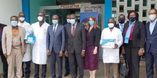 Le laboratoire biopharmaceutique AztraZénéca a offert, le jeudi 29 avril 2021, au Centre hospitalier universitaire (CHU) de Treichville à Abidjan, deux salles équipées d'appareils de nébulisation