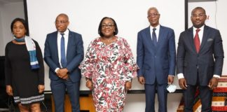 J'ai l'honneur de vous rappeler que vous avez le privilège d'être acteurs clés, stratégiques, de cette politique du gouvernement en matière de gestion des ressources humaines