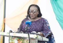 Anne-Désirée Ouloto, ministre de la fonction publique et de la modernisation de l'administration, le mardi 15 juin 2021, a appelé les ivoiriens à arrêter d'exercer des pressions sur ses collaborateurs et même sur elle.